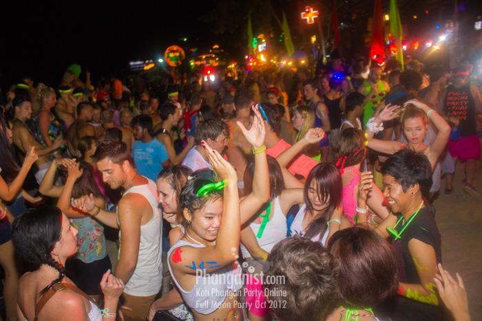 65-drop-in-full-moon-party-october-2012-koh-phangan_0