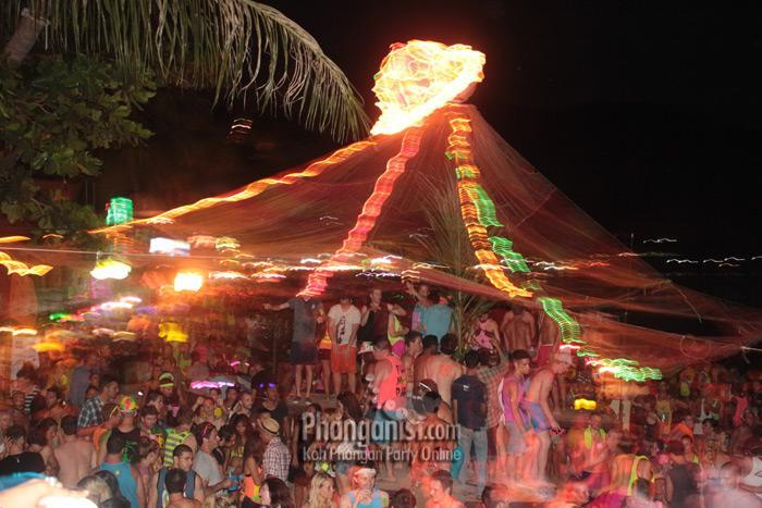 24%20Full%20Moon%20Party%20at%20The%20Rock%20August%202012%20Koh%20Phangan_0