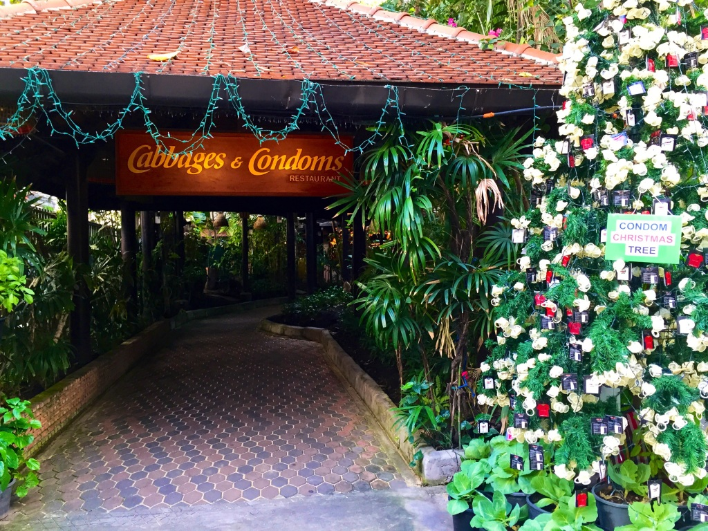 バンコクで噂のコンドームレストラン「Cabbages&Condoms」に行ってみた!