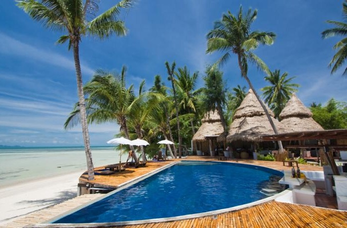 B52ビーチリゾートの魅力と開催されるパーティーの紹介