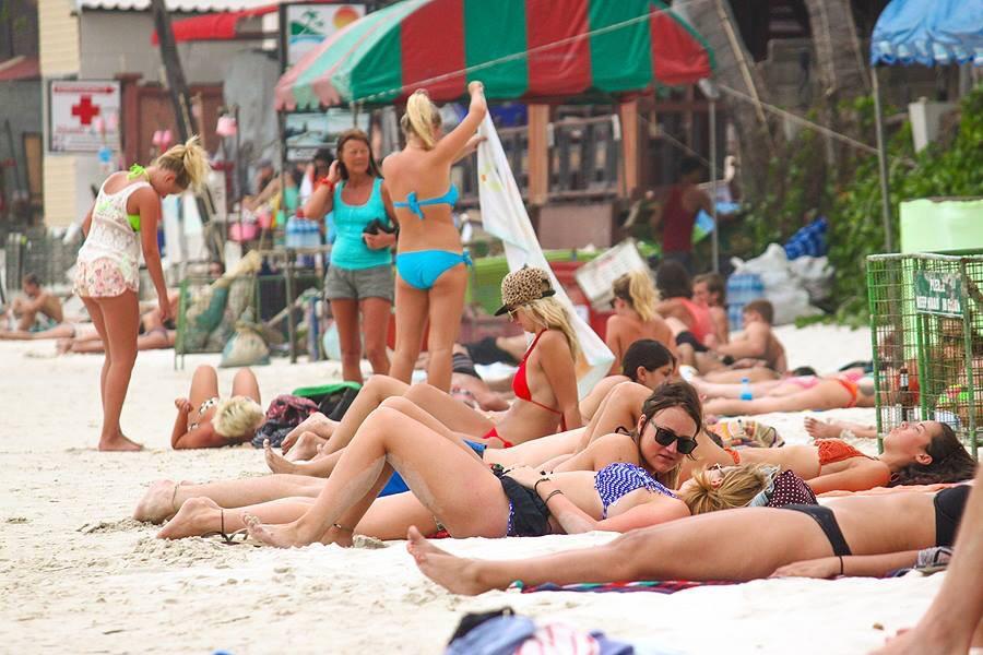 ハードリン・ビーチ(Haad Rin Beach)の紹介とオススメホテル